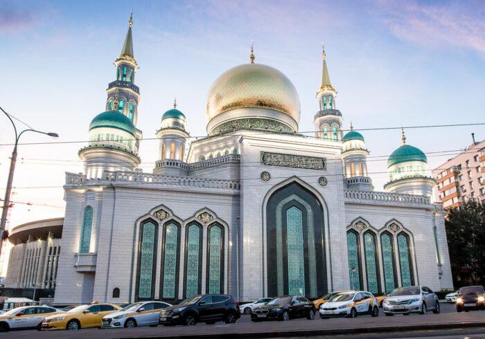 """Соборная мечеть на экскурсии """"Мировые религии в Москве"""" от компании """"Captour"""""""