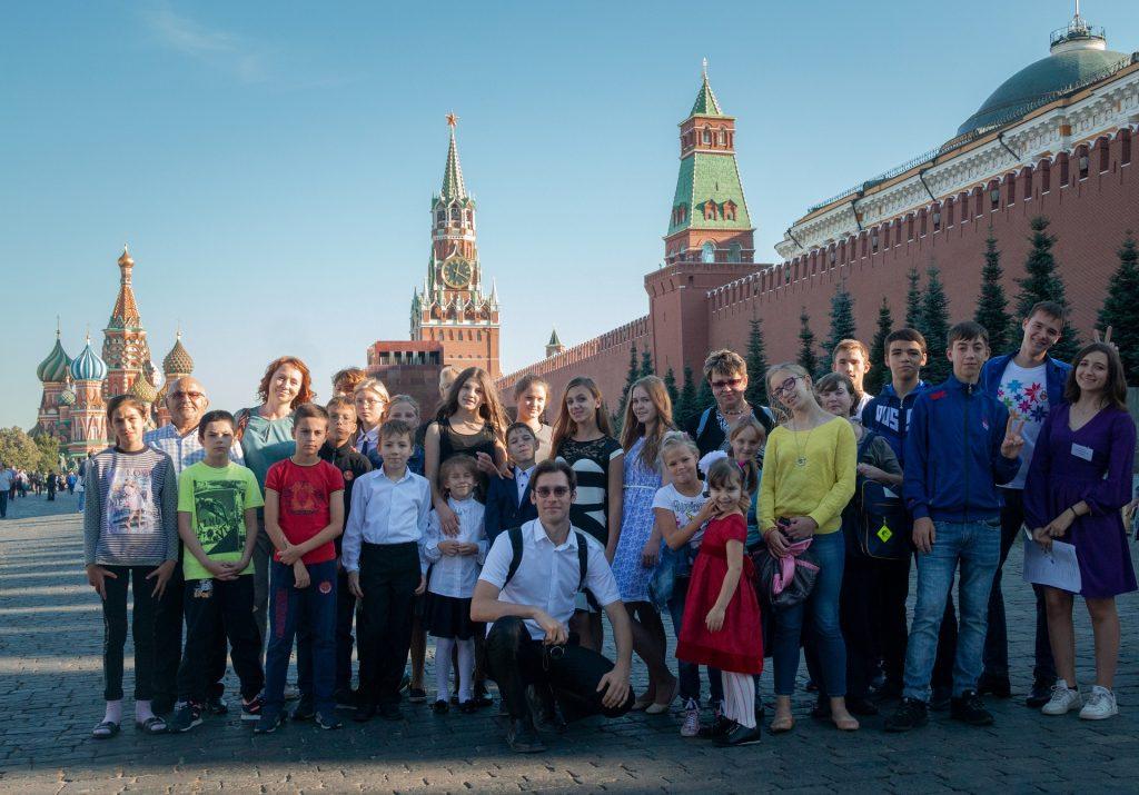 Групповое фото с обзорной экскурсии по Москве