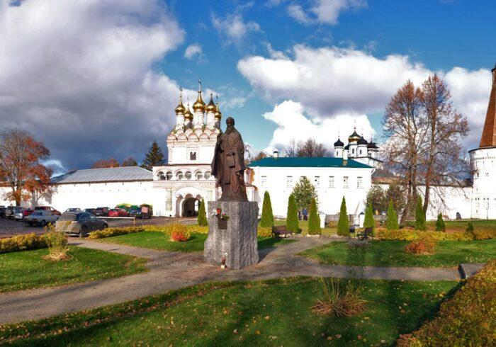 """Иосифо-Волоцкий монастырь на туре от компании """"Captour"""""""