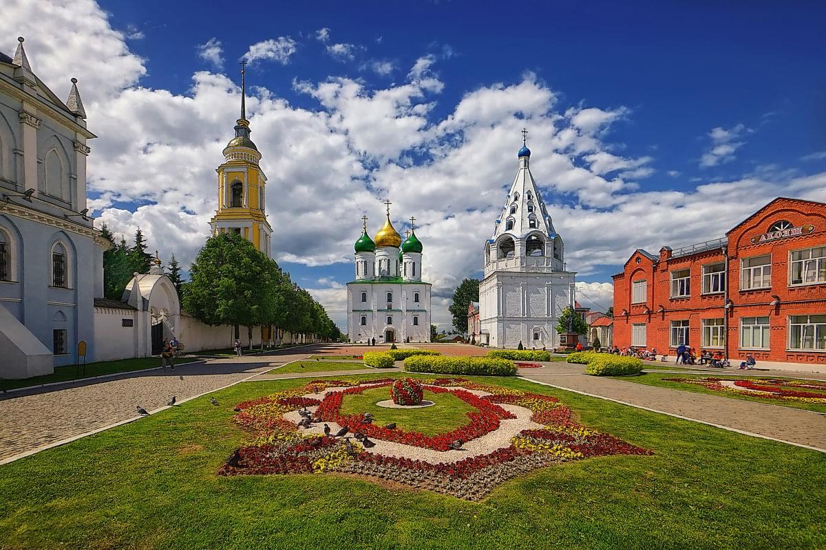 """Коломенский Кремль внутри на вертолетном туре от Экскурсионного бюро """"Captour"""""""