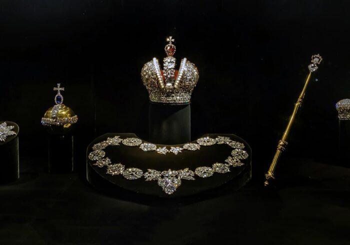 """Сокровища Алмазного фонда на экскурсии от Экскурсионного бюро """"Captour"""""""