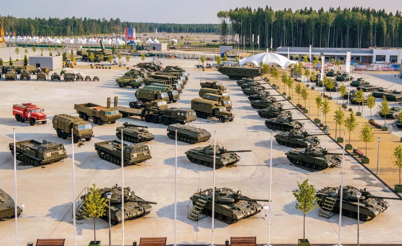 """Тяжелая артиллерия в парке """"Патриот"""" в Кубинке на вертолетной прогулке от экскурсионного бюро """"Captour"""""""