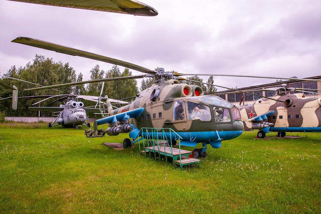 """Вертолет в Центральном Музее ВВС РФ на вертолетной прогулке от экскурсионного бюро """"Captour"""""""