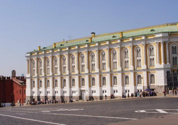"""Оружейная палата на экскурсии для иностранцев от Экскурсионного бюро """"Captour"""""""