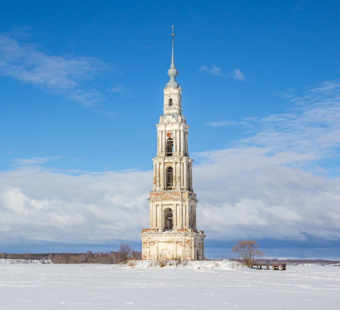 """Колокольня Никольского собора зимой на вертолетном туре от Экскурсионного бюро """"Captour"""""""