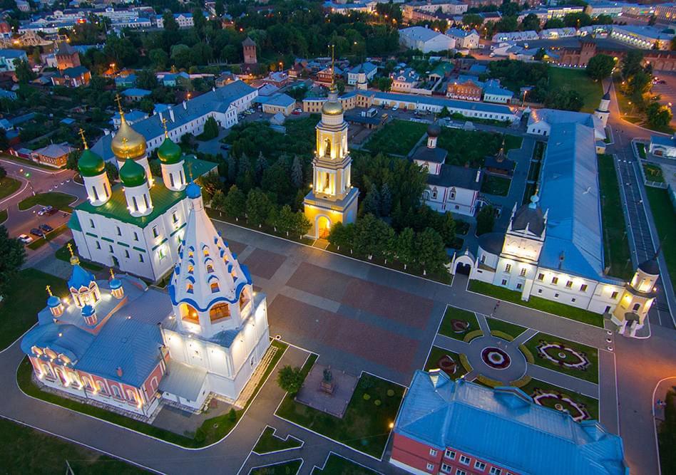 """Коломенский Кремль ночью с высоты на вертолетном туре от Экскурсионного бюро """"Captour"""""""