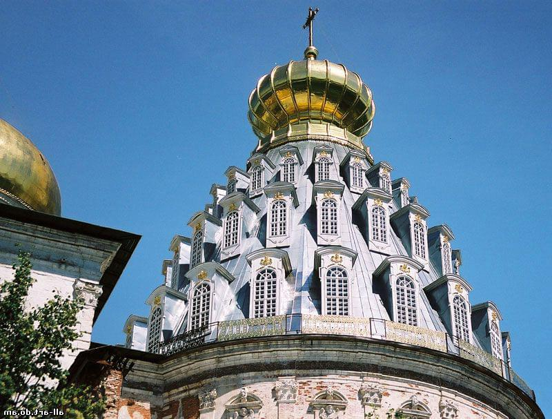 """Купола Воскресенского собора на вертолетном туре от экскурсионного бюро """"Captour"""""""