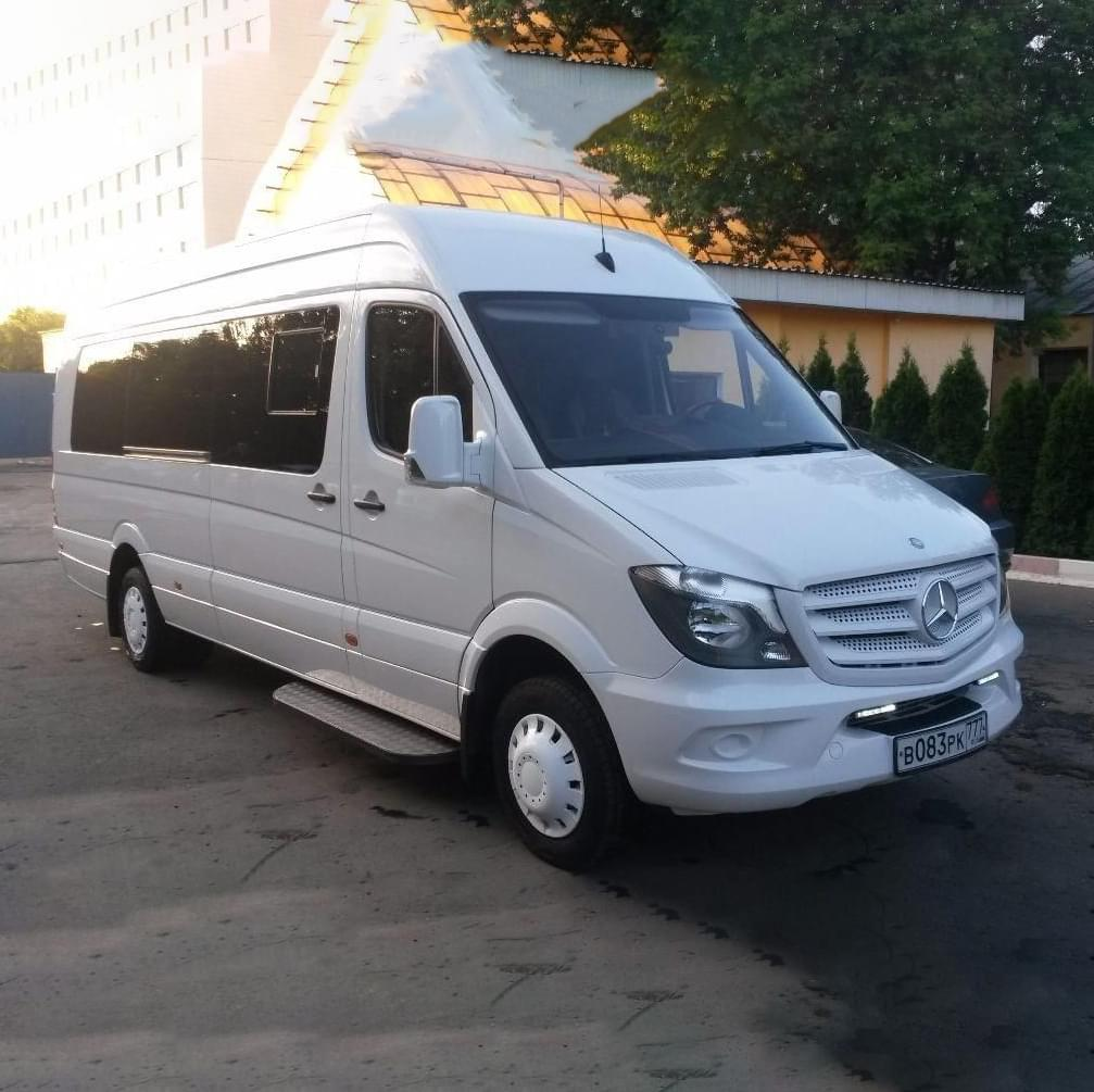 """Микроавтобус для экскурсии от Экскурсионного бюро """"Captour"""""""
