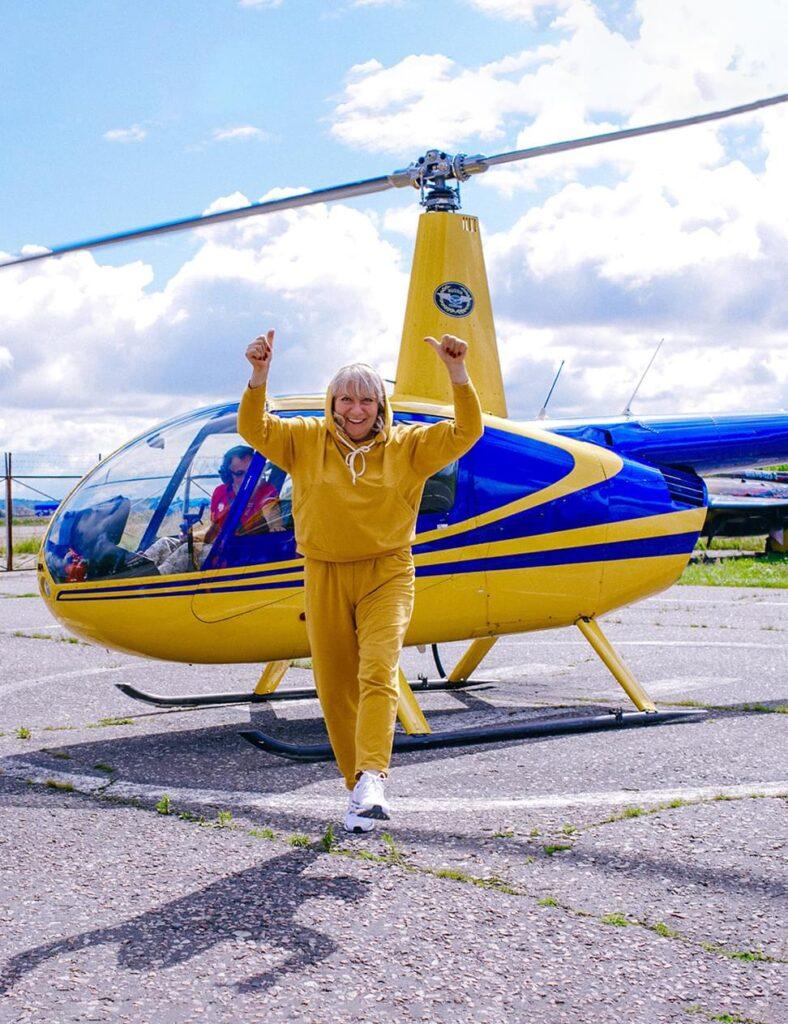 """Эффектный выход из вертолета после полета от компании """"Captour"""""""