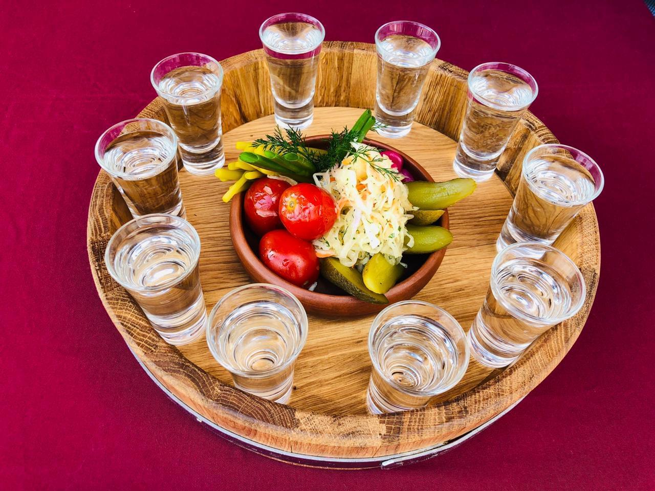 Welcome drink для иностранцев в Трапезной на экскурсии от Экскурсионного бюро Captour