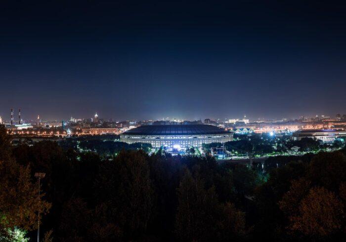 """Лужники ночью на вертолетной прогулке от Экскурсионного бюро """"Captour"""""""