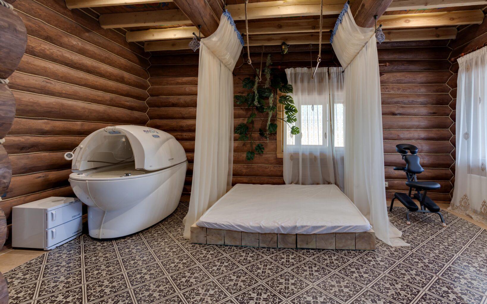 Большая кровать в СПА-клубе Андреевские бани
