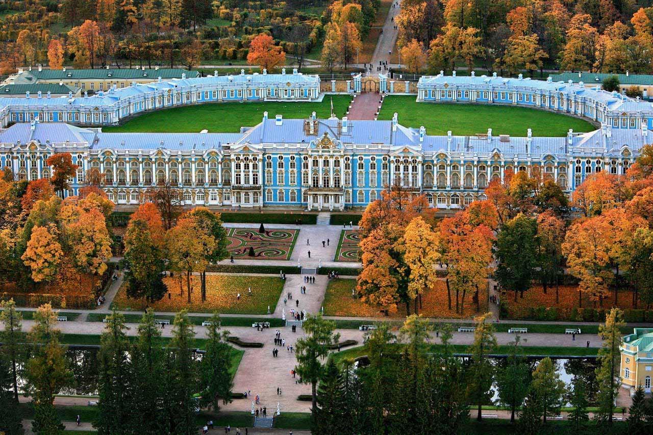 """Вид сверху на Екатерининский дворец Экскурсионное бюро """"Captour"""""""