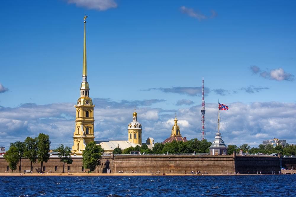 Петропавловская крепость с Невой Экскурсионное бюро «Captour»