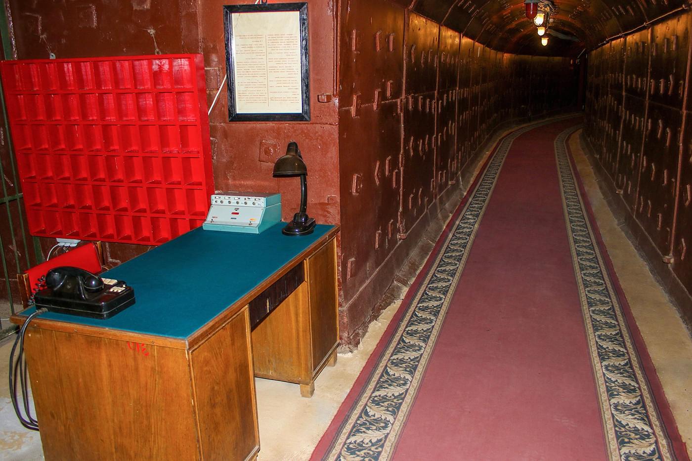 """Проходная в Бункере Сталина на Таганке на экскурсии от Экскурсионного бюро """"Captour"""""""