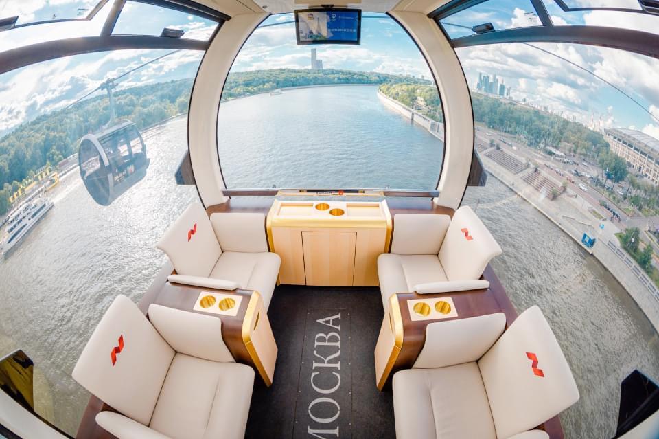 VIP кабина канатной дороги Москвы на экскурсии