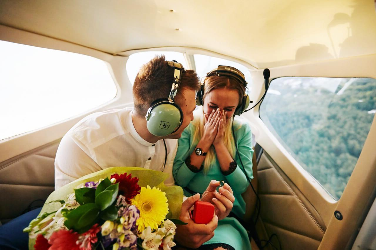 """Предложение руки и сердца в полете на самолете Cessna 172 от компании """"Captour"""""""