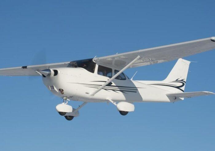 """Самолет Cessna 172 на экскурсионном полете в Москве от компании """"Captour"""""""