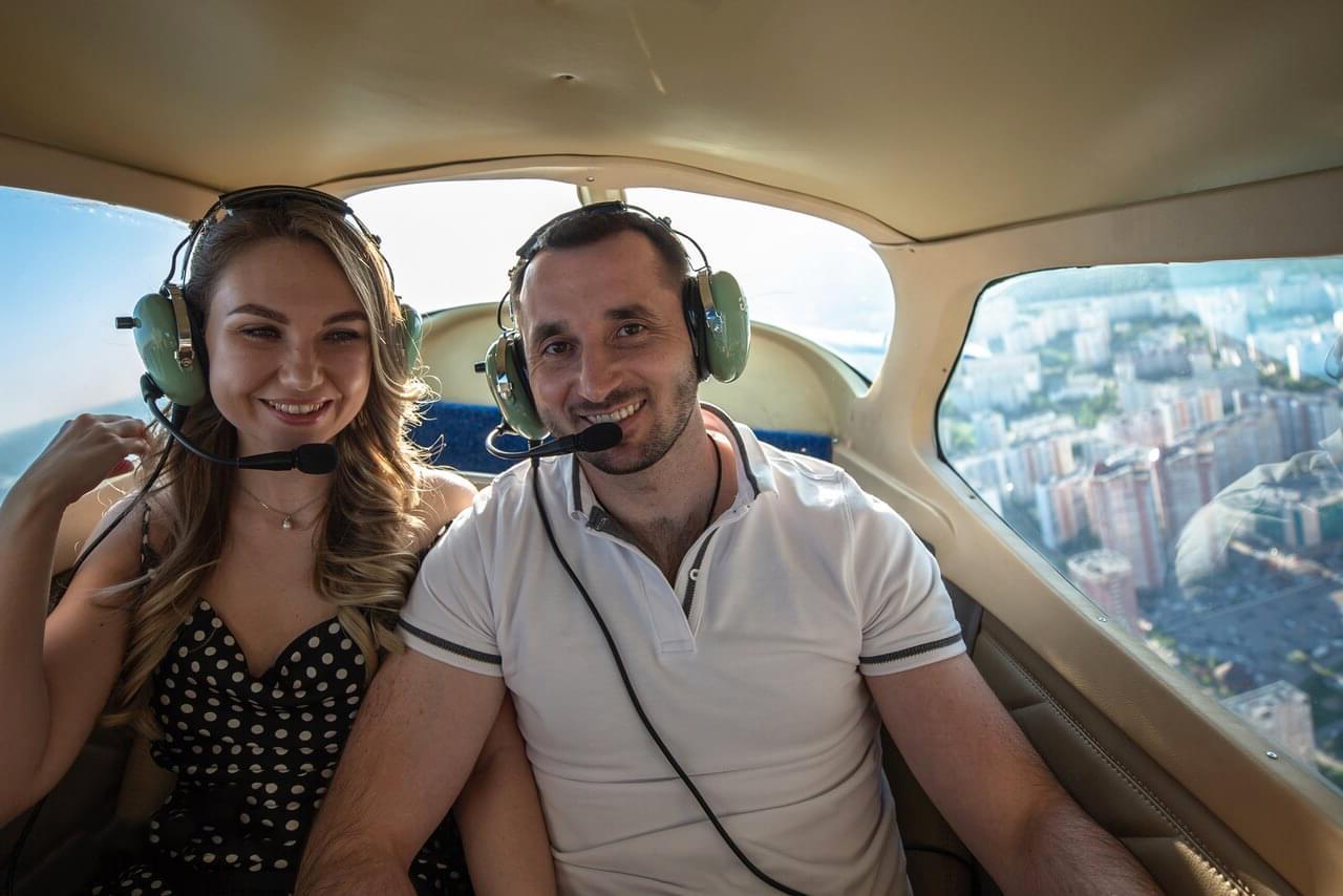 """Свидание в небе в самолете от компании """"Captour"""""""