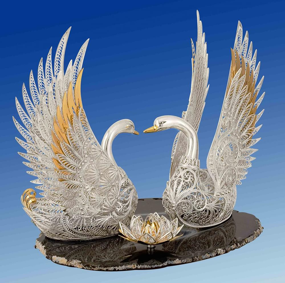 """Лебеди в Музее Ювелирного Искусства в Костроме на экскурсии от Экскурсионного бюро """"Captour"""""""
