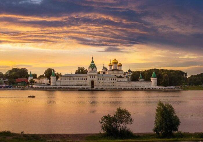 """Панорама Костромы на туре от Экскурсионного бюро """"Captour"""""""