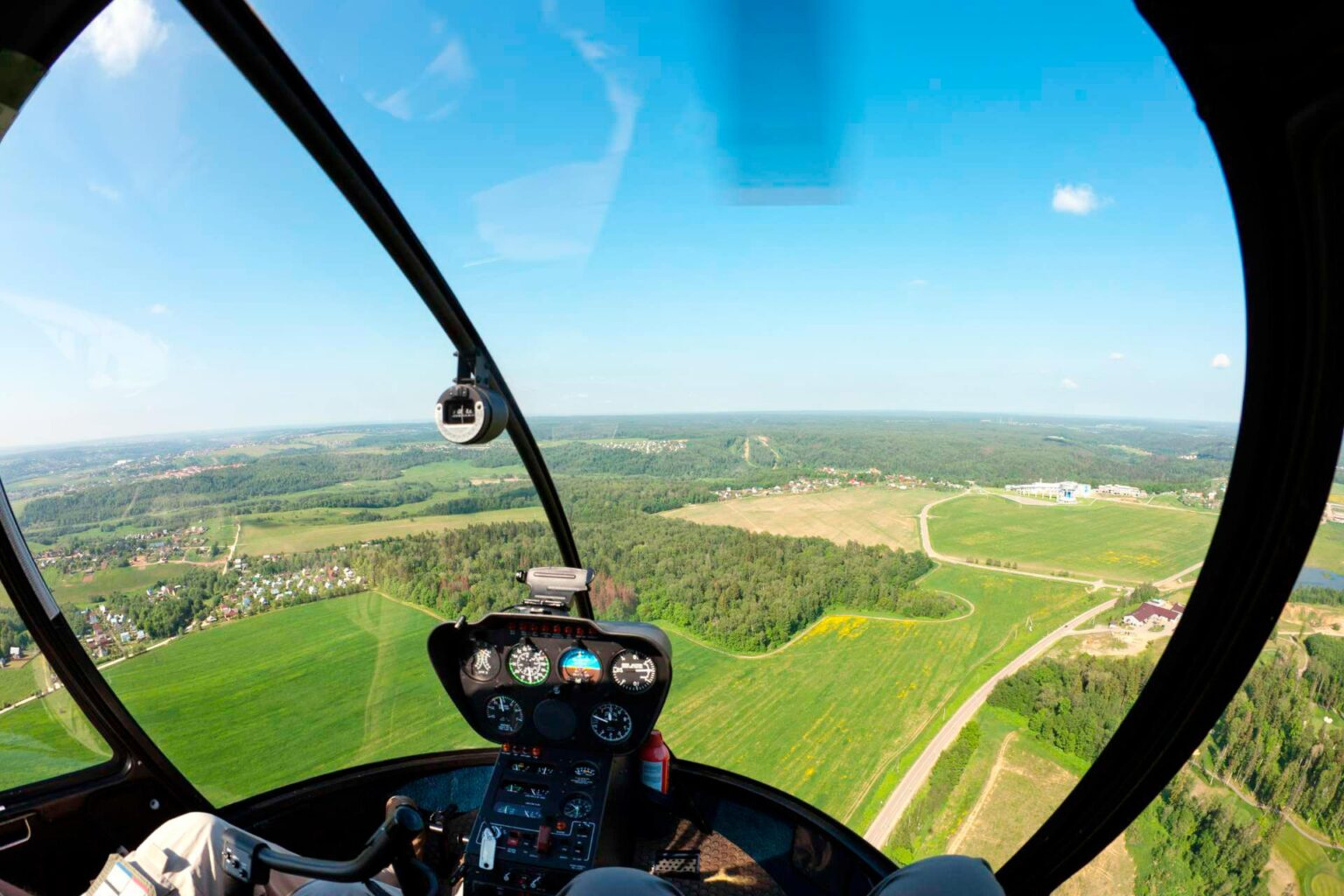 """Фотография из кабины вертолета в полете от компании """"Captour"""""""