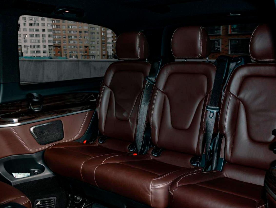 """Фотография внутри минивена Mercedes Viano на экскурсии от компании """"Captour"""""""