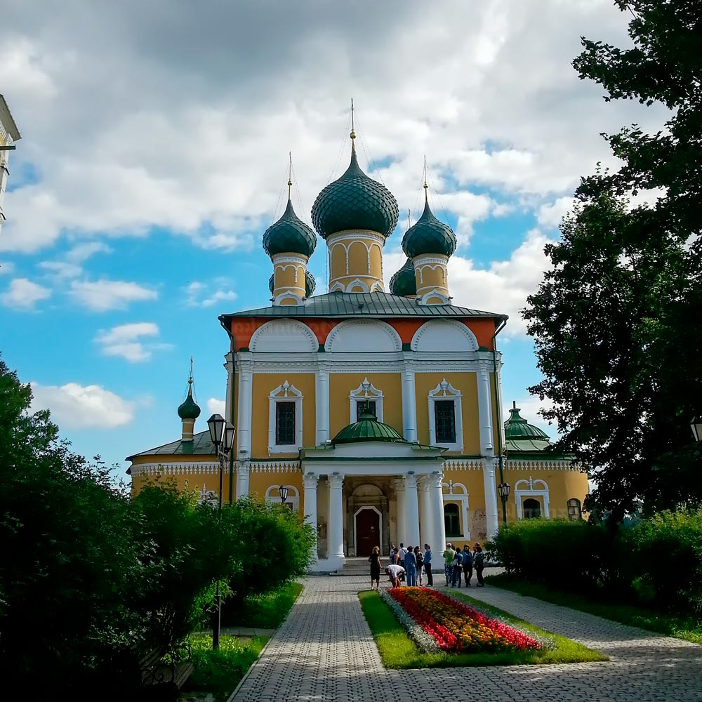 """Кремль в Угличе на экскурсии от компании """"Captour"""""""