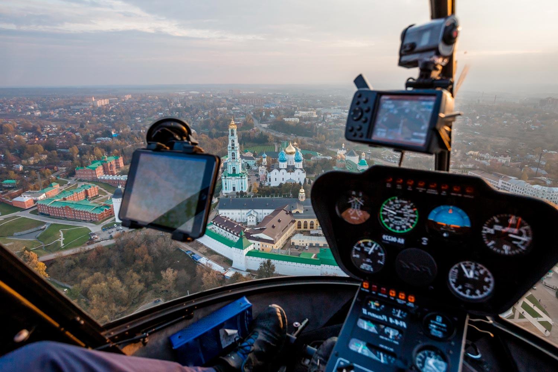 """Сергиев Посад из вертолета Robinson R44 от Экскурсионного бюро """"Captour"""""""