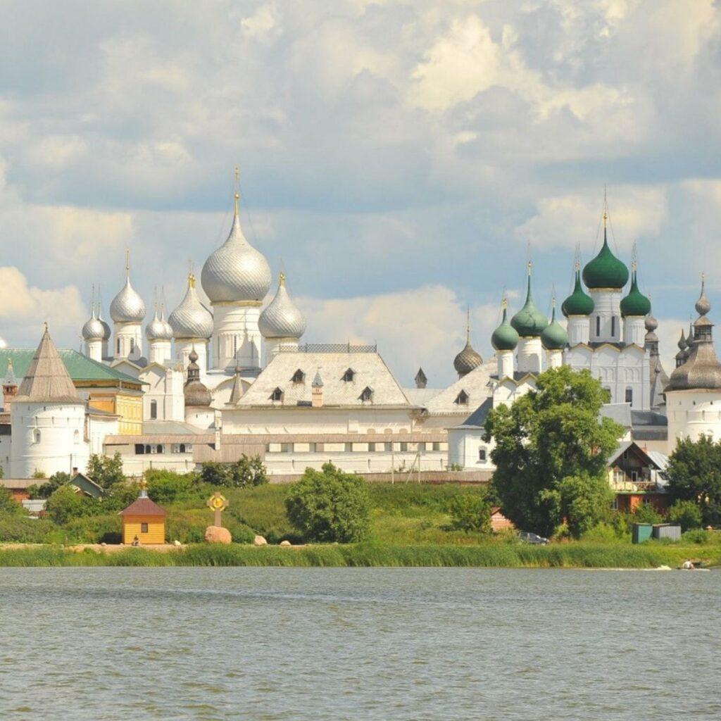 Озеро в Ростове Великом