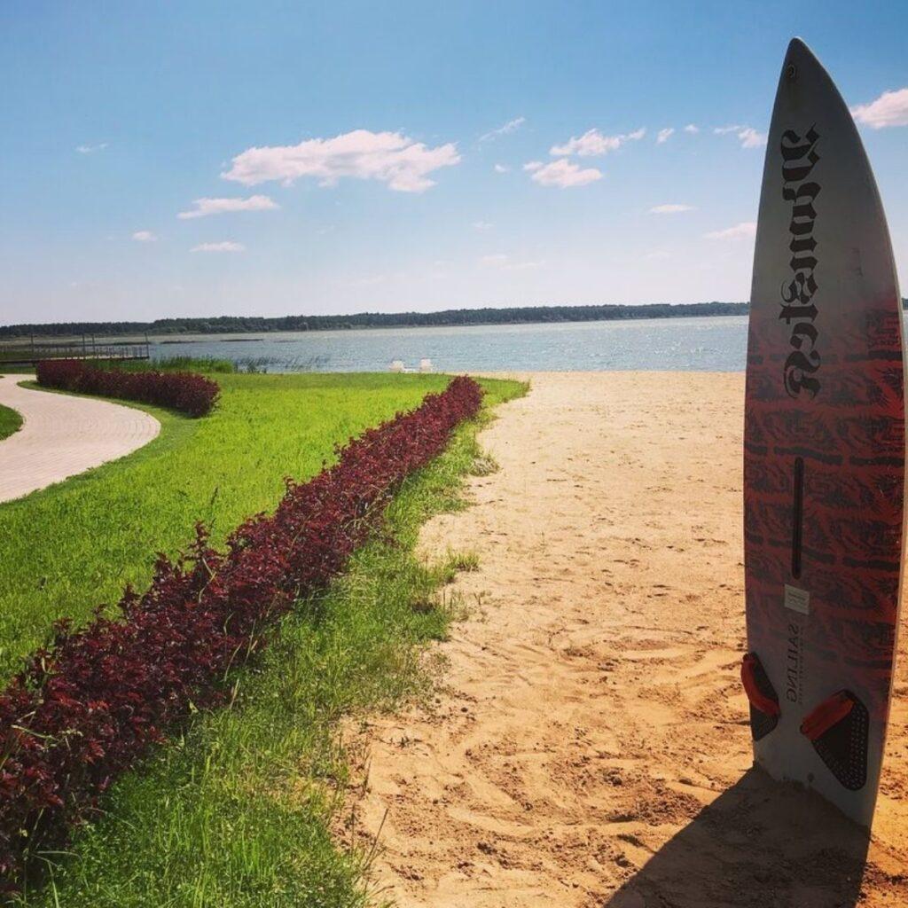 берег Вазузского водохранилища