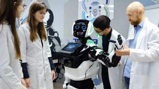 Человекоподобный робот в Перми