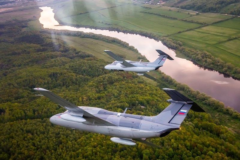 Истребители Л-29 в воздухе