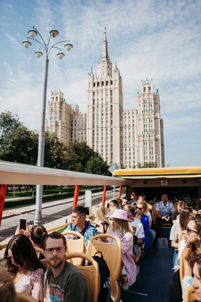 Фотография из двухэтажного автобуса на экскурсии в Москве